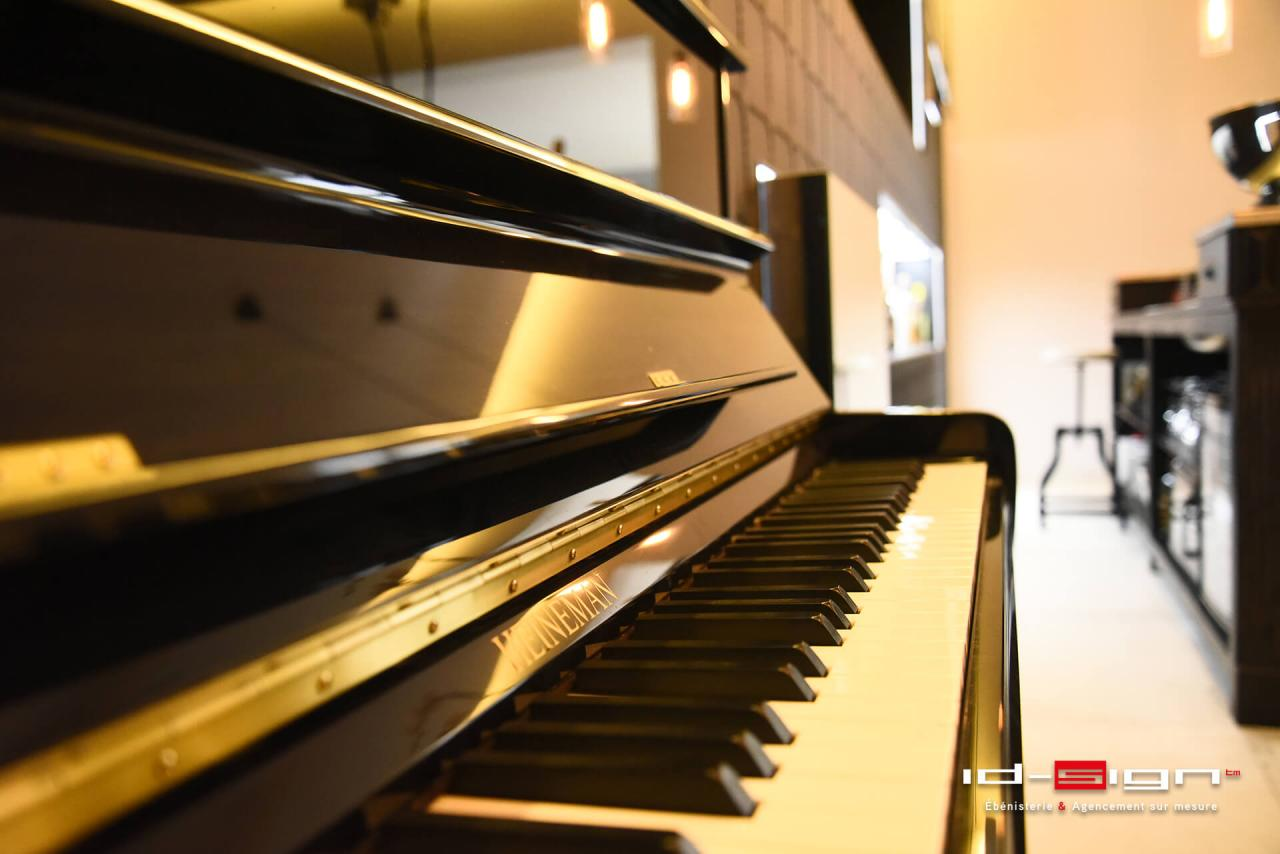 Espace piano droit
