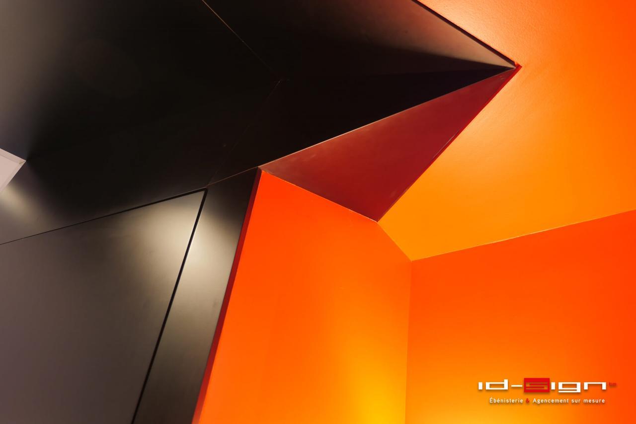 Facette de cuisine noir et orange