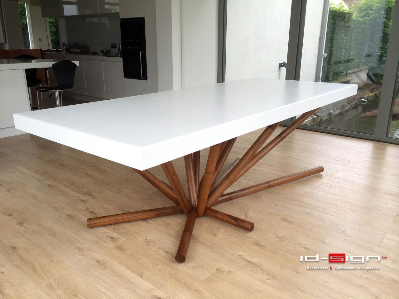 Table haut de gamme en bois