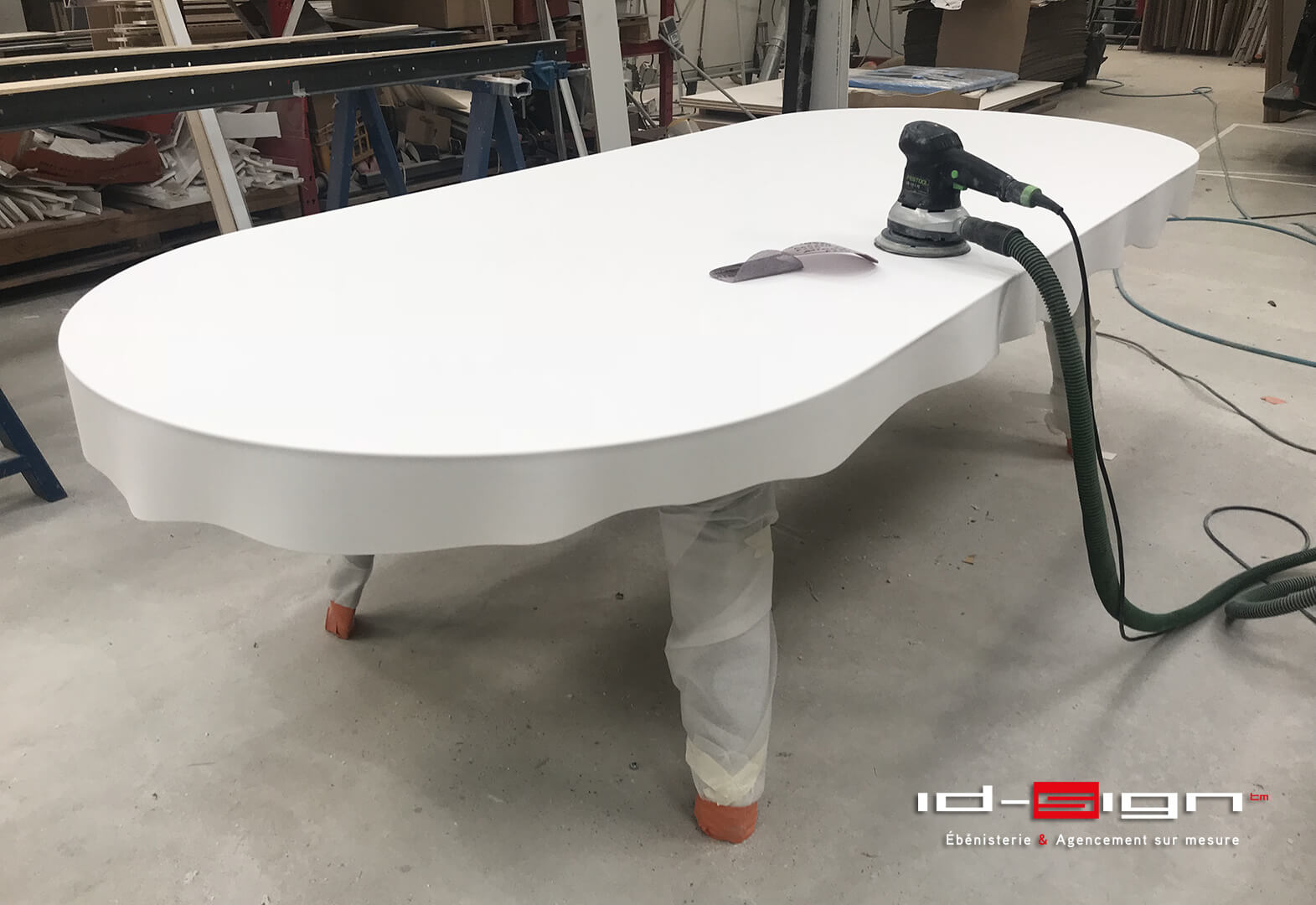 Atelier table design